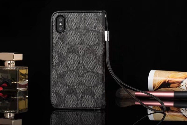 COACH ストラップ付き iphone7plusカバー