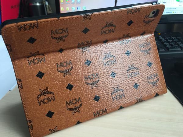 MCM 新型ipad ケース スタンド