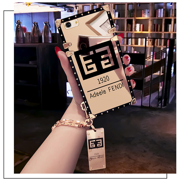 FENDI アイフォン8 ケース