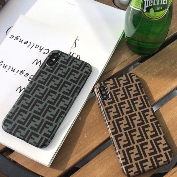 フェンディ風 スマホケース iphone XS MAX