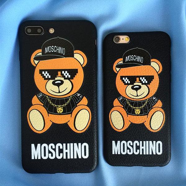 モスキーノ iPhoneXS/XS MAXケース